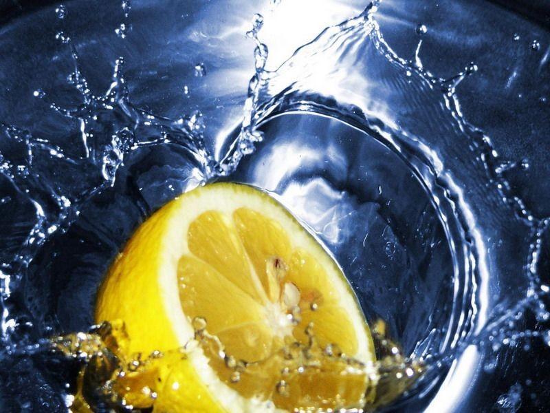 Reggel ezért jó citromos vizet inni - HáziPatika
