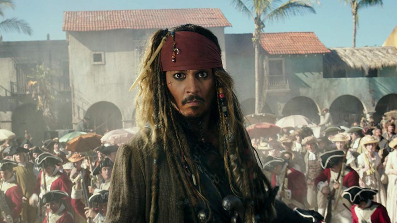 Döbbenet: tinédzser lányának kínált drogot Johnny Depp – Ezzel magyarázta
