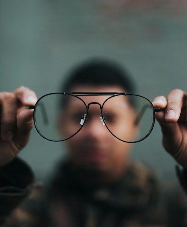 a látás tisztasága csökken