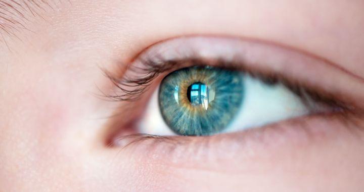 látássérülést kap
