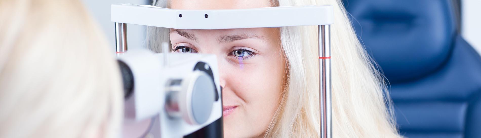 rossz látás plusz mínusz hyperopia és myopia táblázat