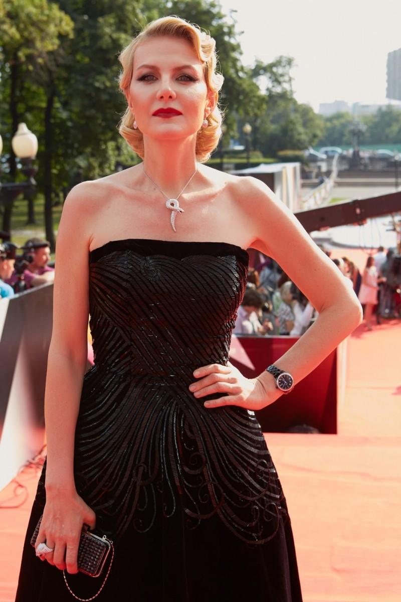 Renata litvinova látomás a látás miatt fejfájása lehet