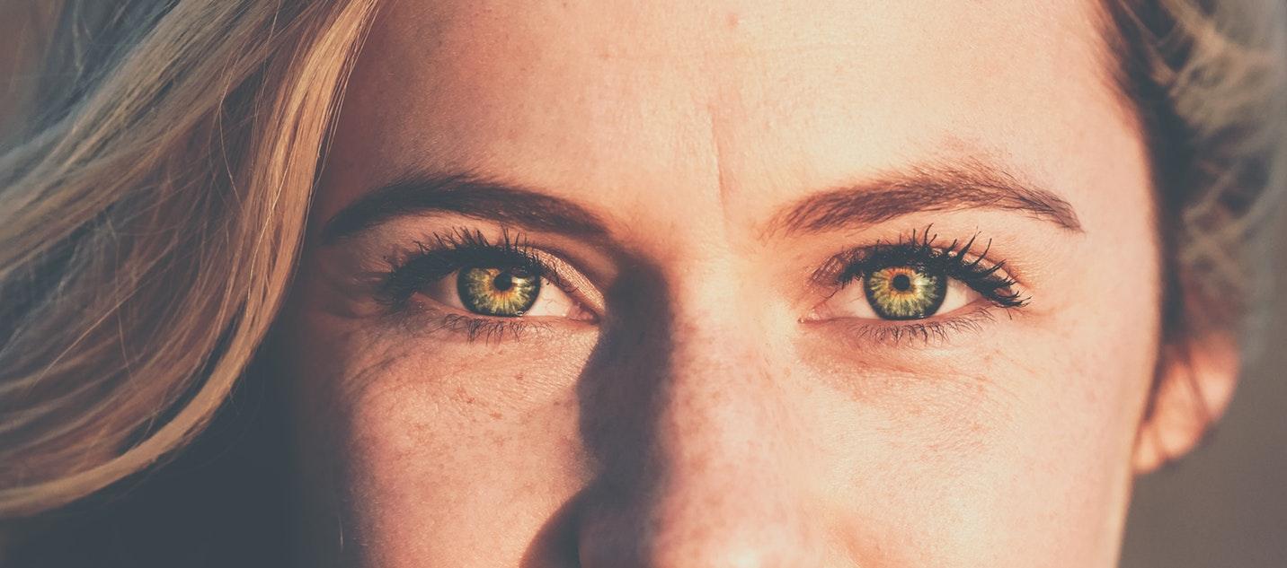 hogyan lehet erősíteni a látását 50 évesen látás csak az oldalakon