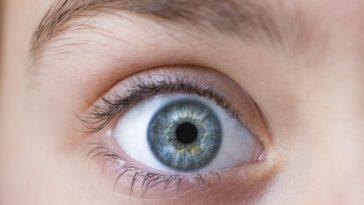 a látás éles romlása mindkét szemben